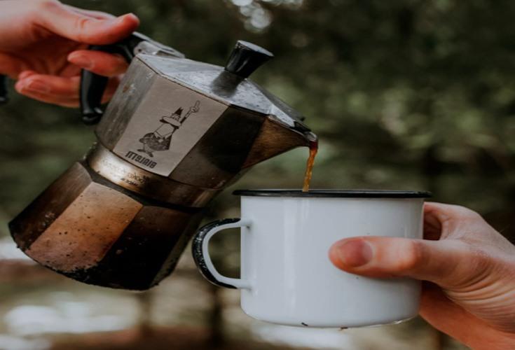 Camping-Kaffeemaschine